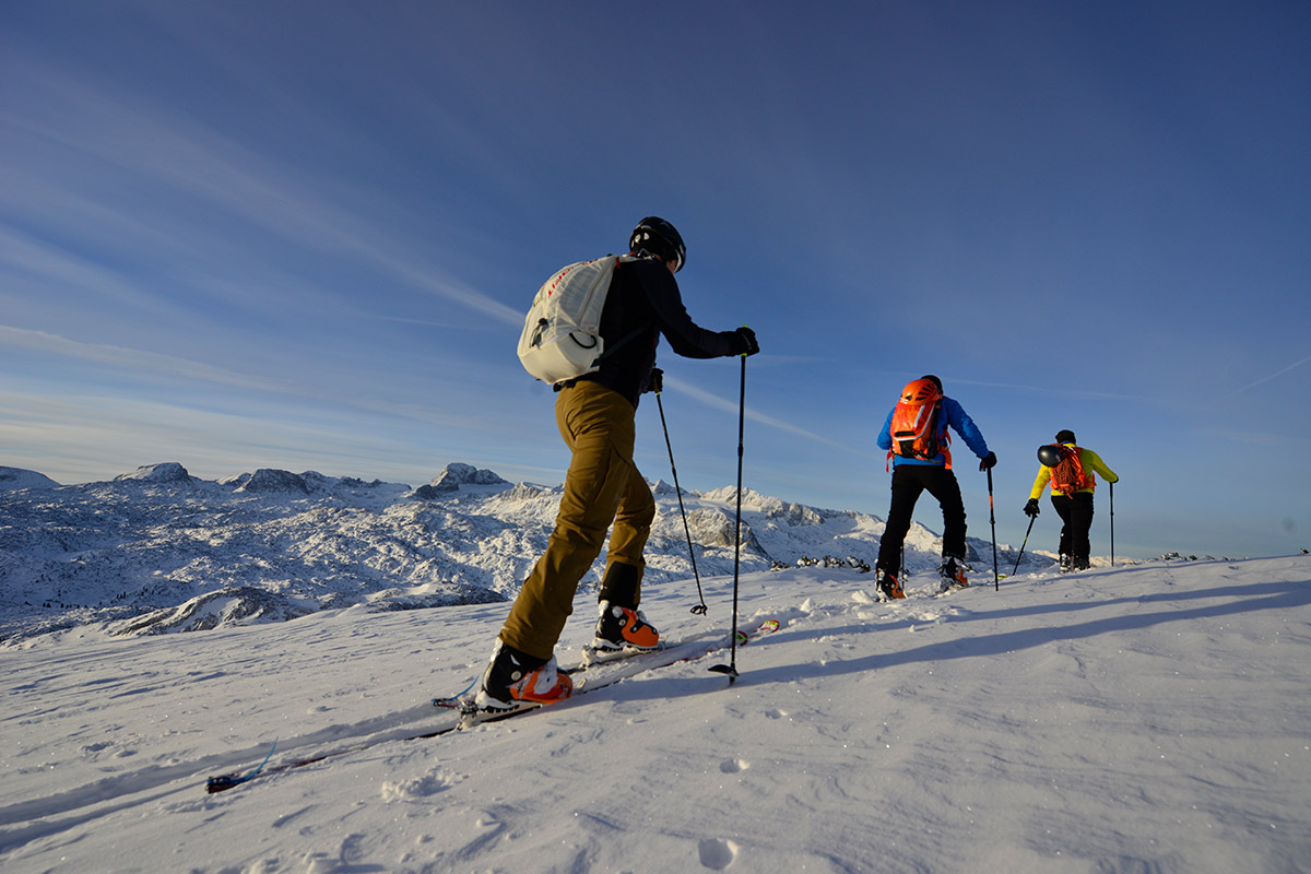 Outdoor leadership training / courses ski touring for beginners